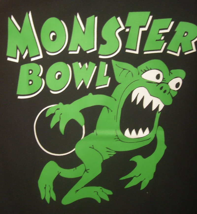 MONSTER BOWL on RED/BLACK RETROBOWLER-YOUTH XS
